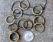12 Nigerain Rings: 25mm