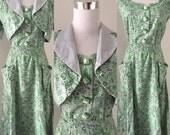 Vintage 1940s immaculate green novelty print cotton dress and bolero set - small