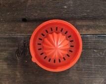 Vintage 1960's TupperWare Juicer // Rust Orange // Retro Kitchen