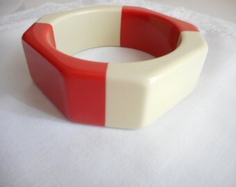 Vintage Vanilla Tangerine Plastic Bangle Bracelet