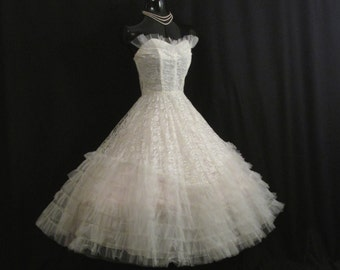 Vintage 50's 50s STRAPLESS Bombshell White Tulle Embroidered Lace Party Prom Wedding DRESS Gown