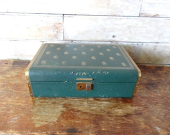 Vintage Jewelry Box Dark Green an Metal  From 50s or 60s