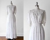 1910's white dress. wedding. 1910 tea gown. antique. white cotton. lace. ruffled. Edwardian dress. small.