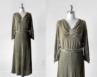 1920's velvet dress. 20's art deco dress. flapper. sage.  1920 green dress. moss. small.