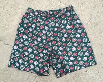 Green Preppy Golfing Shorts 80s Vintage Novelty Golf Print High Waist Pleated Shorts Men Women Small 28 waist