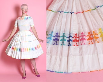 THE BEST 1950's New Look Crisp White Cotton Day Dress / Party Dress w/ Embroidered Rainbow Colored Children Novelty Motif - Rare - Size XS