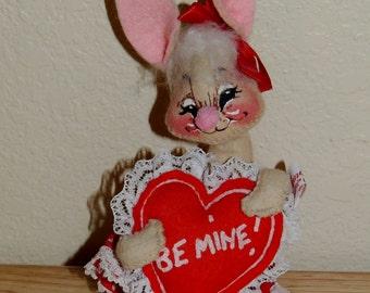 1983 Annalee VALENTINE Bunny