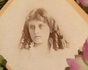 Antique Photo - Beautiful Girl with Bottle Curls - Lace Collar - Long Hair - Vintage Photo