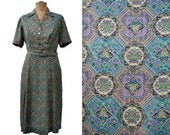 1960s shirtwaist dress in silky paisley medallion print Size XL XXL UK18 US16 B42 W33 vintage green smart shirt dress a-line skirt