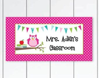 Teacher-Door-Sign-owl-themed- pink and-white-polka-dots-themed-class-door-plaque
