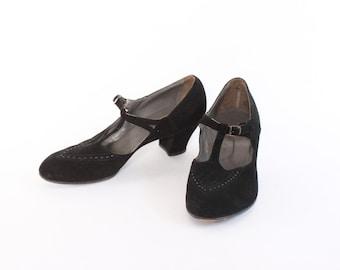 Vintage 40s HEELS / 1940s Black Suede T-Strap Leather Pumps 8