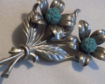 Big 3 inch retro two silver flower brooch with aqua plastic centers, 1950's brooch