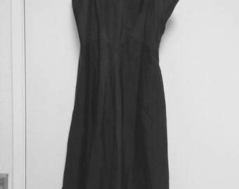 Taffeta ruffled slip petticoat/fits medium large-flounced hem/Charmode 50s Sears