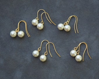 Bridesmaid Gold Earrings Set of 8, Ivory Cream Pearl Jewelry, Pearl Drop Earrings, Gold Pearl Earrings