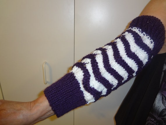 Muff Knitting Pattern : Vintage Knitting Pattern For Hand Muff Arm and by sandycraftshop