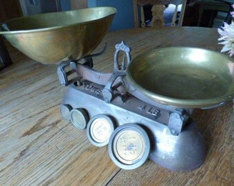 Very Old Antique Cast Iron Scale with Brass Containers and 4 Cast Iron Weights
