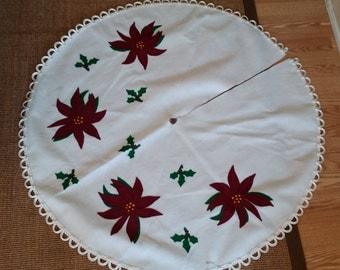 """Christmas Tree Skirt Felt 42"""" Diameter - White with Poinsettias"""