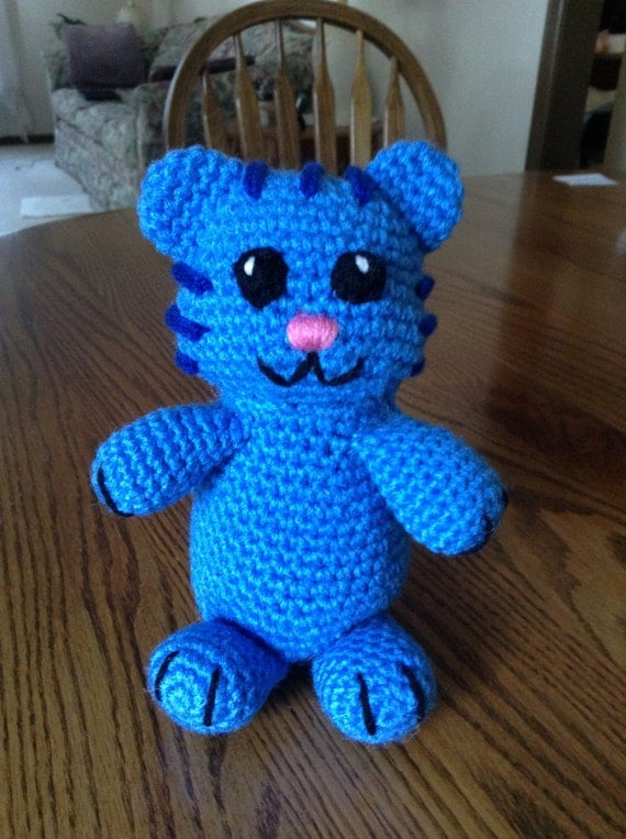 Ravelry: Mr. Rogers w/Daniel Tiger and King Friday pattern by ... | 763x570