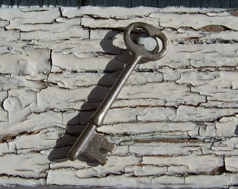 Vintage Skeleton Key Victorian Key Pendant Gothic Key Rustic Skeleton Key From the Past Cabinet Key Vintage 1910s