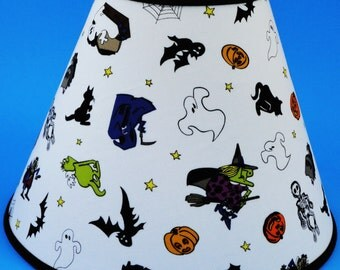 Halloween on White Witches, Ghost, Bat, Cat, Pumpkin, Skeleton Lamp Shade