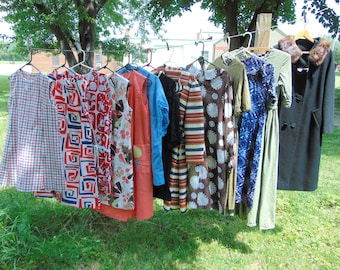 TEMPORARILY REDUCED was 94.44 13pc wholesale vintage Clothing Lot 50s 60s DRESSES ....#1