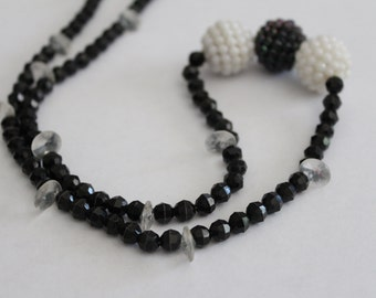75% OFF SALE - Vintage beaded black white berry necklace