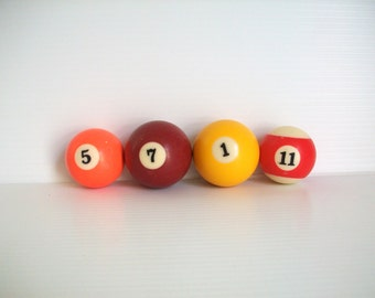 vintage billiard balls . vintage game room . vintage pool table balls . guy room decor . vintage numbers . vintage pool balls . sports decor