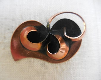 Vintage 1960s to 1970s Copper Pin/Brooch Mod Swirl Modern Abstract