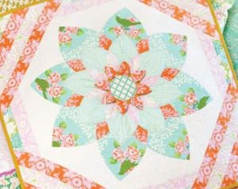 Heather Bailey Prize Bloom Quilt Sewing Pattern 37 x 37  3 Dimensional Details