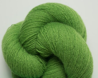 Bright Kelly Green Recycled Fine Fingering Weight Cashmere Yarn, CSH00055