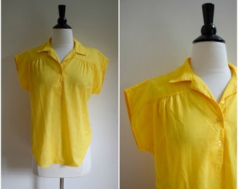 Vintage cheery yellow cap sleeve collared blouse / camp shirt / tee