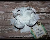 White Hair Bow, White Boutique Hair Bow, White Bow, White Hair Clip, White Baby Bow, White Small hair bow, 4.5 inch white hair bow