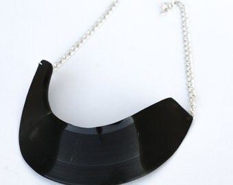 Vinyl record necklace 01