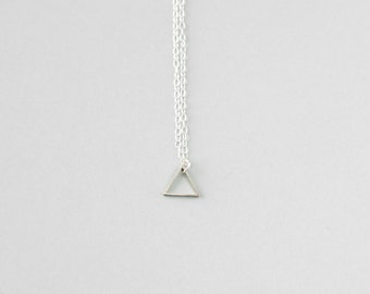 Small Single Triangle Necklace (Silver) - Minimalist Jewellery