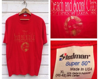 1980's The Beach And Social Club Of Detroit Lakes, MN foil print t-shirt, fits like a large