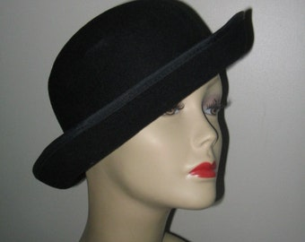 VINTAGE TWEEDS BOWLER Style Hat, Womens Derby, Riding Hat