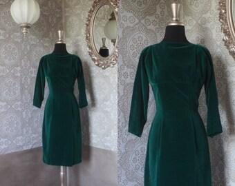Vintage 1950's 60's Emerald Green Velvet Dress XS/S