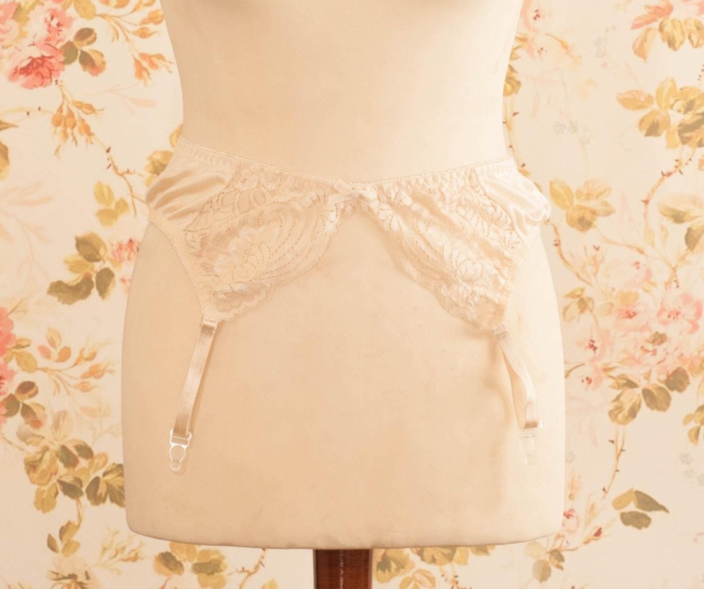 vintage beige lace garter belt suspender belt waist