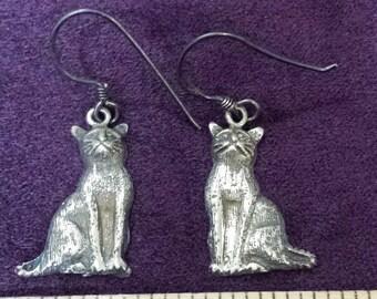 Vintage Sterling Sitting Kitty Cat Dangle Earrings