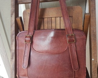 AGE     ///    Leather Tote