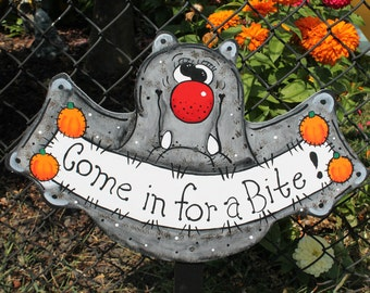 "Bat ""Come in for a Bite""  Yard Sign / Decor / Art"