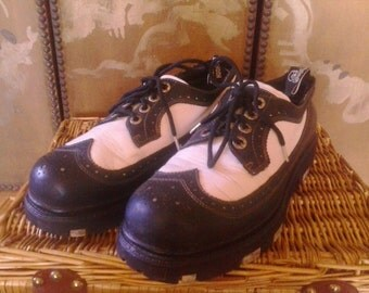 90s Black and white wingtip style super wedge London Underground mens shoes