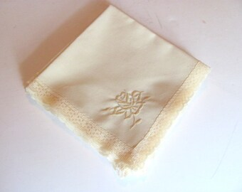 4 Cloth Napkins / Ecru with Embroidered Rose Cotton Blend Napkins