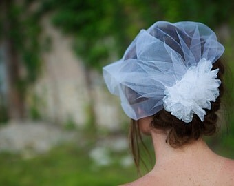 Birdcage Veil and Flower Fascinator, Wedding Veil Duo, White Lace flower fascinator and tulle veil, Removable Veil Duo - FA190