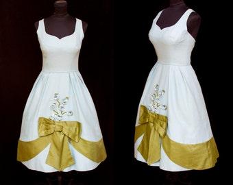 1950s Dress // Millinery Flower Bouquet Blue Full Skirt Party Dress by Jeannette Alexander