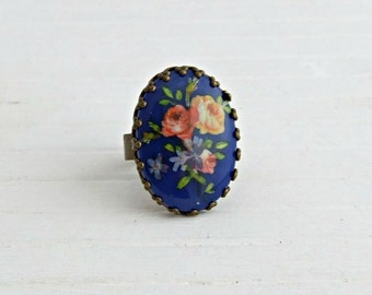 Blue Flower Ring .. floral ring, blue ring, botanical, Victorian posy