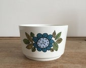 retro 1960s flower floral 'Topic' sugar bowl from J&G Meakin // made in England