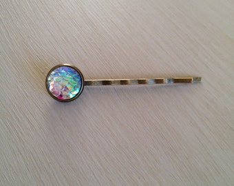 OPAL PEARL WHITE mermaid scale bobby pin / hair accessory