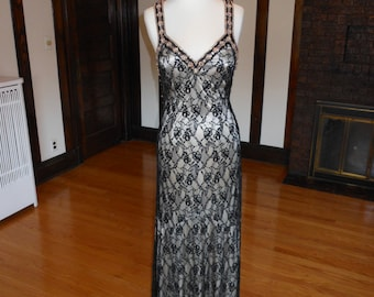 Elegant Beaded Lace Evening Dress