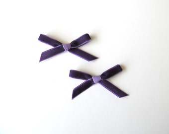 Daphne Petite bow clips - Set of 2 Purple - Pigtail bows - Mini Velvet hair clip set - dainty and Dapper -
